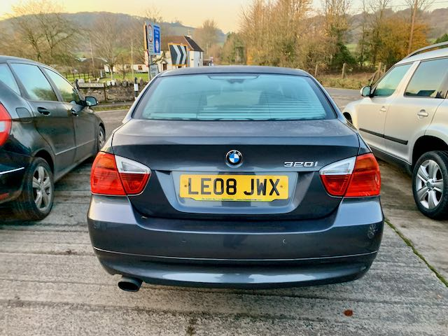 BMW 3 Series 2.0 320i SE 4dr full